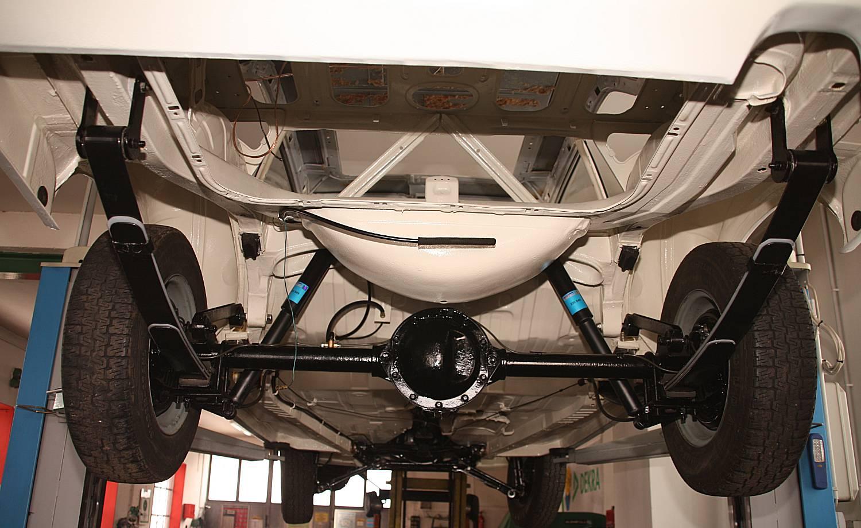 Ford M Restauration Hinterachse on Fiat Ghia