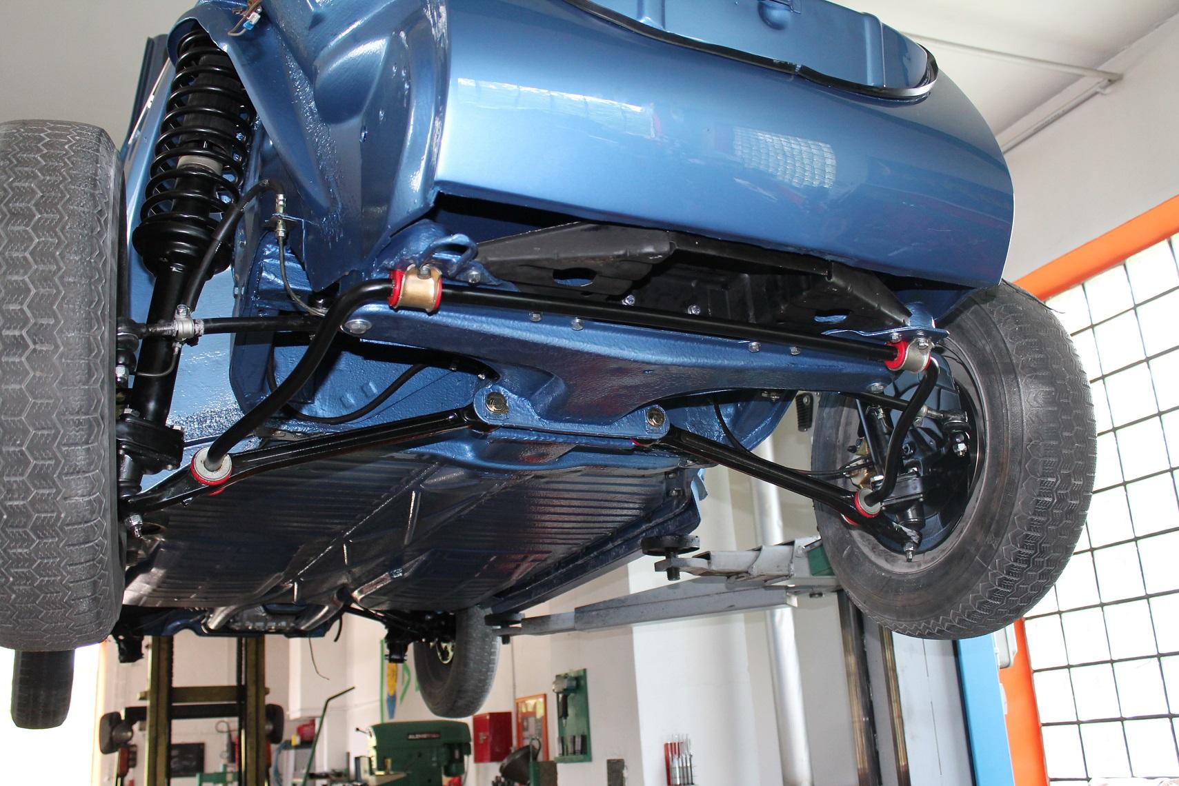 Vw Kaefer Cabrio Montage Unterboden on Fiat Ghia